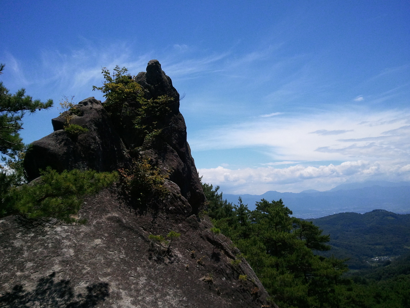 The 100 famous mountains of Yamanashi