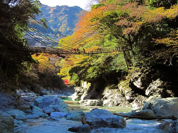 Kazura Bridge