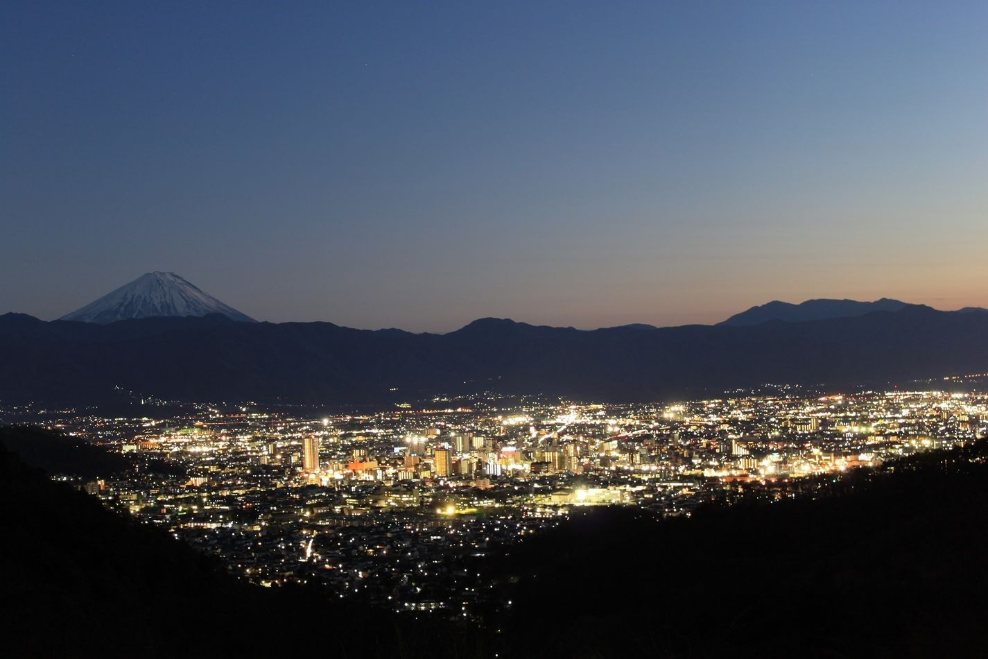 絶景スポット!写真愛好家を魅了する夜景(山梨県) | JAPAN TIMELINE ...