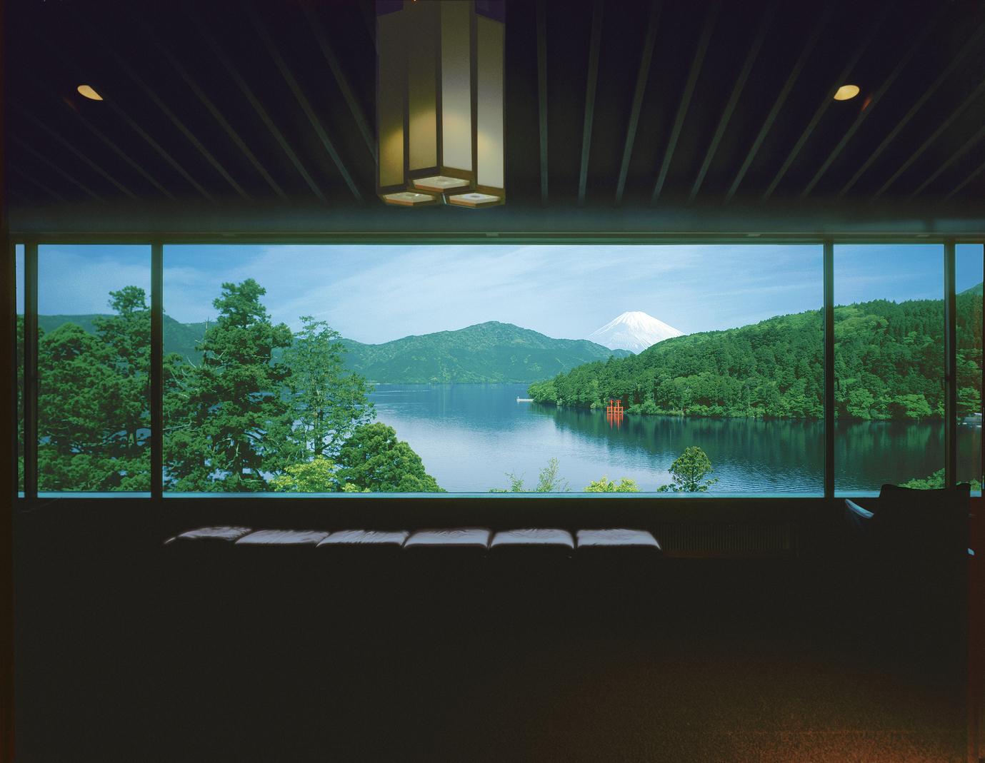 芦ノ湖と富士山が見える箱根随一...